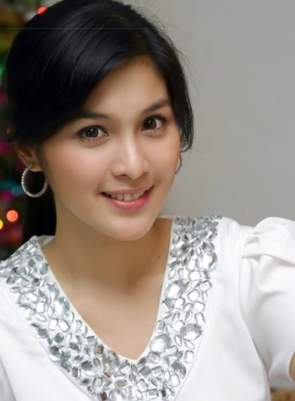 Sandra Dewi - Picture Colection