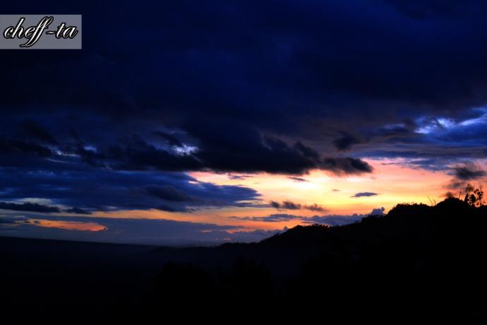golden sunrise bukit punthuk setumbu
